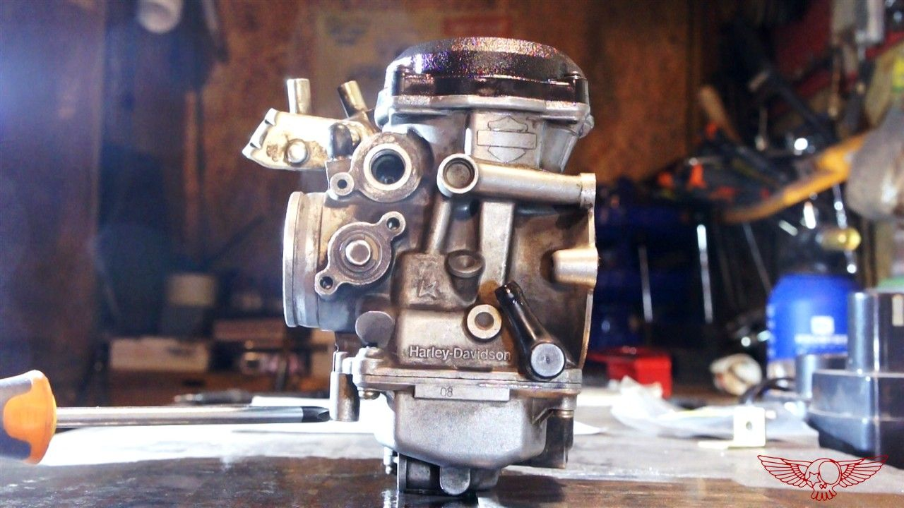 26 How does the CV carburetor work and adjustment screw