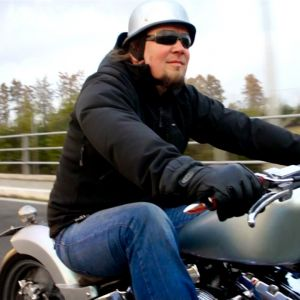 ep 29 21 ride on softail with sportster peanut tank