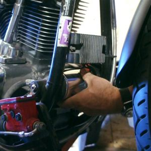 ep13 28 Harley Softail oil filter change